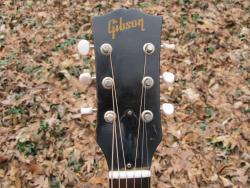 [1961 Gibson J-50 Headstock Front]